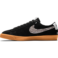 Nike SB ZOOM BLAZER LOW GT QS BLACK/LIGHT BONE-WHITE-GUM MED BROWN
